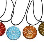 ZK0001-9 Kette Sonnenspirale Speckstein color 3 cm und Lederband Kenia