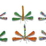 KE0002-63 Libelle sitzend Glasbeats 10x8 cm Kenia